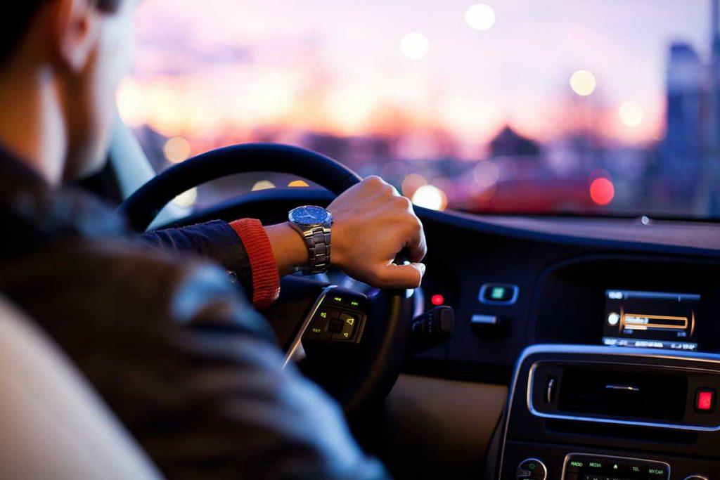 ¿Cuándo es responsable de unos daños el conductor de un vehículo?